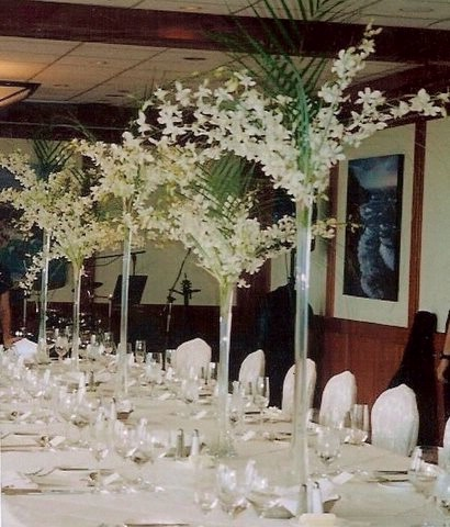 Eiffel Tower Vases Can Be Used For A Variety Of Decorative